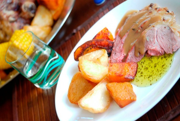Traditional Roast Lamb & Gravy